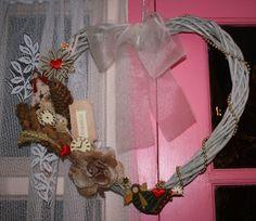 Valentine wreath Valentine Wreath, Grapevine Wreath, Grape Vines, Wreaths, Home Decor, Decoration Home, Door Wreaths, Room Decor, Vineyard Vines