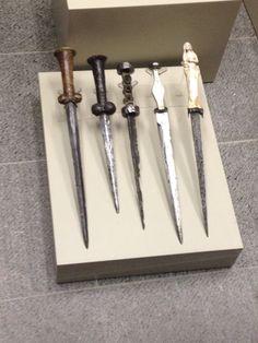 Bollock daggers