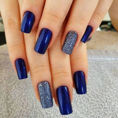 50 Pretty Ways to Wear Dark Blue Nails - 33 - Hair and Beauty eye makeup Ideas To Try - Nail Art Design Ideas Cute Nails, Pretty Nails, My Nails, Winter Nails Colors 2019, Nail Colors, Winter Colors, Dark Blue Nails, Nail Art Blue, Blue And Silver Nails