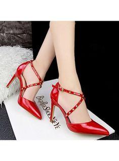 1d51b9c1dec9 VERYVOGA Femmes Cuir verni Talon stiletto Sandales Escarpins Bout fermé  avec Rivet chaussures