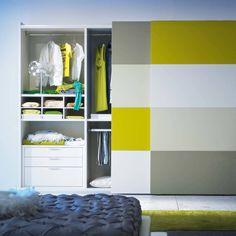 'Metropolis' 2 sliding door Super cute, creative and colourful wardrobe. We love it. Wardrobe by Mobilstella: Wardrobes & closets by My Italian Living