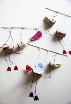 Marionettityöpaja Rõõmissä / Bird Puppet Workshop/ simple holder, use paper straw? Feathers to glue to body and heads precut? Craft Activities For Kids, Projects For Kids, Diy For Kids, Crafts For Kids, Craft Projects, Arts And Crafts, Bird Puppet, Puppets For Kids, Puppet Crafts
