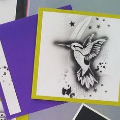 Auch auf Papier ein hingucker... Airbrush, Daydream, Instagram Posts, Paper, Pretty Cards, Homemade, Air Brush Machine