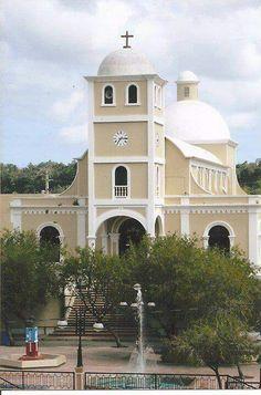 Iglesia Catolica de Lares