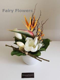 wedding florist in eastern suburb of Melbourne, a specialised floral studio on wedding flower arrangement & bridal bouquets, corporate flowers,event flowers,and artificial (silk) flowers; High quality and creative arrangements designed to meet all level's needs. And there are different wedding flower packages to suit different budgets.top quality, reasonable fair price!