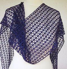 Nein, ich häkele nicht nur Stulpen. Dieser Schal ist auch in Bad Füssing fertig geworden. So eine Kur ist doch wirklich erholsam. Das Easy L...