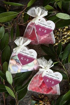 Rehearsal dinner favors can't be similar to your wedding favors. We've gathered our favorite rehearsal dinner favor ideas, so take a look to get inspired. Rehearsal Dinner Favors, Wedding Rehearsal, Rehearsal Dinners, Candy Wedding Favors, Wedding Cookies, Candy Favors, Valentines Day Weddings, Valentines Diy, Mediterranean Wedding