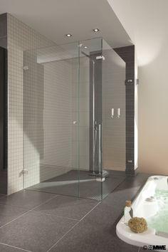 Douchecabine op maat gemaakt! topbeslag van MWE. Shower cabine custom made. Hinge manufacturer MWE.