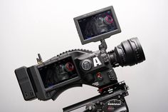 "RED DSMC2 ""Xenomorph"" camera - 8K Weapon sensor - integrated 7"" display & Wireless video - lens control - Wifi."