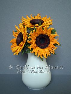 Quilled Sunflowers in a Vase http://manuk.ro/en/ 'Quilling by Manuk'