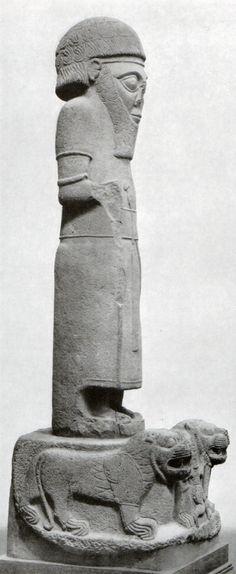 Hititte, Colossal of the King, Zincirli (Samat) İstanbulAncient Orient Museum (Ekrem Akurgal) (Erdinç Bakla archive)