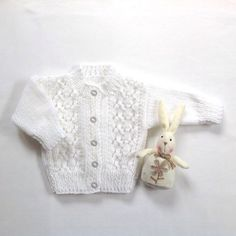 Baby cardigan - 6 to 12 months - Baby shower gift - White baby sweater - Baby knits