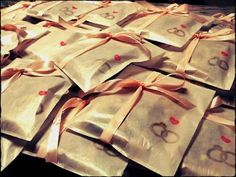DIY wedding favors ♡ make your own stamp, put it on little bags, add candies / mini cards / match boxes