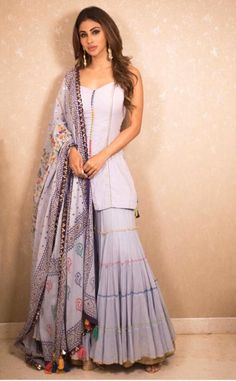 Party Wear Indian Dresses, Designer Party Wear Dresses, Indian Fashion Dresses, Dress Indian Style, Indian Designer Outfits, Designer Clothing, Asian Fashion, Sharara Designs, Kurta Designs Women