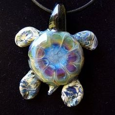Glass turtle by Mickey and Madeline Glass Art