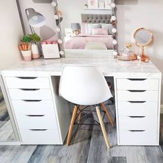 The back is finished so you can place it in the middle of the room – all sides are just as beautiful. Bedroom Decor For Teen Girls, Room Ideas Bedroom, Teen Room Decor, Small Room Bedroom, Cute Bedroom Ideas For Teens, Teen Girl Desk, Small Bedroom Vanity, Teen Girl Bedrooms, Teen Bedroom