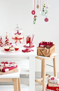 Christmas table styling.  What if you had little cakes on covered cake stands at each table for your wedding?  The cake would serve two purposes, a table decoration and dessert.