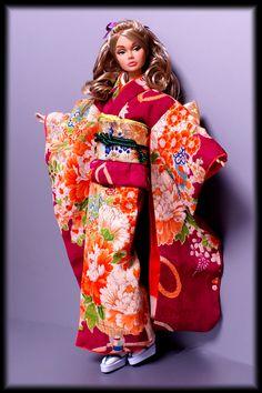 #PoppyParker kimono