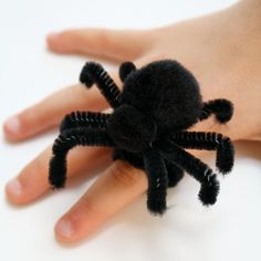 Make your own spider ring craft for Halloween or a preschool spider theme.
