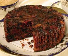 This is a very rich, alcohol soaked (optional) Caribbean fruit cake recipe, one that is very popular throughout the Islands. This particular Caribbean Christmas cake recipe is much loved in Barbados. The fruit in this fruit cake is best prepared at. Caribbean Fruit Cake Recipe, Caribbean Recipes, Best Fruit Cake Recipe, Christmas Fruit Cake Recipe, Recipe For Jamaican Fruit Cake, Jamaican Recipes, Dark Fruit Cake Recipe With Rum, Barbados Rum Cake Recipe, Guyana Fruit Cake Recipe