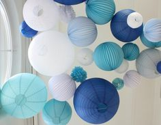 What color of lanterns to choose to decorate your wedding Tabletop Christmas Tree, Handmade Christmas Decorations, Cozy Christmas, Paper Lotus, Ramadan Lantern, Pumpkin Carving Patterns, Alternative Christmas Tree, Holiday Centerpieces, Paper Lanterns