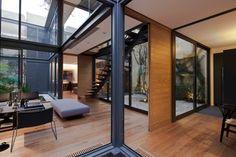 Vista interior. Casa de los Cuatro Patios por Andrés Stebelski. Fotografía © Onnis Luque. Señala encima de la imagen para verla más grande.