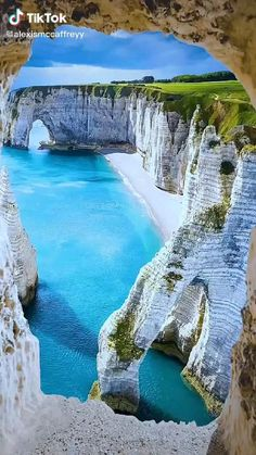 Beautiful Nature Wallpaper, Beautiful Landscapes, Nature Gif, Nature Videos, The Places Youll Go, Places To See, Beautiful Places To Visit, Amazing Places, Travel Channel