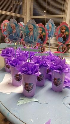 Centro de mesas frozen fiesta sara 7 años
