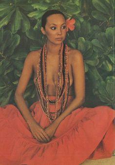 Marie Helvin, photo by David Bailey for Vogue UK, 1975 Seventies Fashion, 70s Fashion, Fashion History, Fashion Models, Fashion Beauty, Vintage Fashion, Fashion Outfits, David Bailey, Vintage Vogue