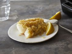 Salt-And-Vinegar Potato Chip Fish Recipe - Genius Kitchen Kettle Cooked Chips, Kettle Chips, Seafood Dishes, Seafood Recipes, Cooking Recipes, Dinner Recipes, Shellfish Recipes, Cooking Pasta, Cooking Oil