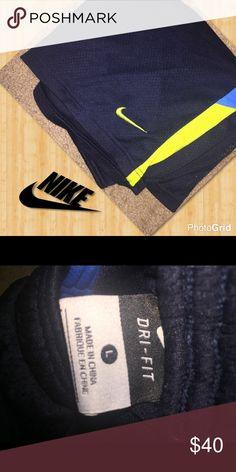 dry fit Nike  athletic shorts basketball men's dry fit Nike  athletic shorts blue and yellow nice size large Nike Shorts Athletic