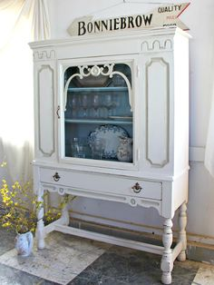Heir and Space: A Limbert Hutch in Antique White