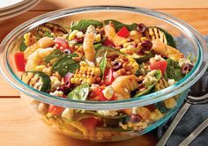 Try throwing some seasonal corn on the barbecue! This salad recipe is perfected with fresh prawn & courgette. Gluten-free and great for either lunch or dinner. Corn Salad Recipes, Corn Salads, Vegetable Salad, Vegetable Dishes, Bbq Prawns, Bbq Corn, Recipe Today, Meals For The Week, Fish And Seafood