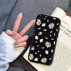 Girly Phone Cases, Pretty Iphone Cases, Diy Phone Case, Iphone Phone Cases, Iphone Case Covers, Accessoires Iphone, Aesthetic Phone Case, Daisy, Mobiles