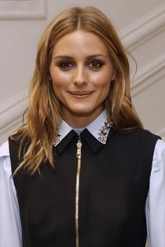 Olivia Palermo Photos - US actress Olivia Palermo poses before Christian Dior 2016-2017 fall/winter Haute Couture collection fashion show on July 4, 2016 in Paris. / AFP / PATRICK KOVARIK - Christian Dior : Front Row - Paris Fashion Week - Haute Couture Fall/Winter 2016-2017