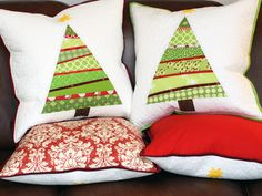 Beautiful quilted pillows!  Great idea to coordinate with tree skirt.