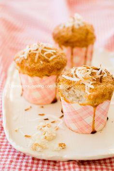 Cocadas (Flourless coconut cupcakes)- a light and fluffy Dominican recipe