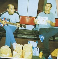 Bonehead and Alan White Alan White, Liam Gallagher Oasis, Predator, My Room, Rock And Roll, The Outsiders, Believe, Funny Pictures, Gifs