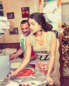 """76.1 k mentions J'aime, 205 commentaires - Dolce & Gabbana (@dolcegabbana) sur Instagram: """"We're in Naples with Mr. Nunzio who is teaching us how to make pizza in the traditional way. A fun…"""""""