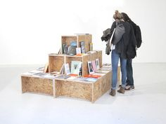 How to display books. manystuff.org – Graphic Design, Art, Publishing, Curating… » Graphic Design