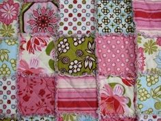 Drag-a-rag quilt. The easiest quilt to make - did it once! Cute Quilts, Easy Quilts, Girls Rag Quilt, Quilt Baby, Crafts To Do, Arts And Crafts, Craft Projects, Sewing Projects, Craft Ideas