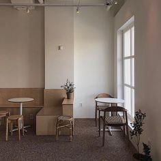 카페인테리어/cafeinterior #카페인테리어 #쇼룸인테리어 #옷가게인테리어 #드레스샵인테리어 #편집샵인테리어 #상업인테리어 #모던인테리어 #감성인테리어 #이해콜렉티브 #의류샵인테리어 #cafeinterior #인테리어디자인 #강남인테리어 #송도인테리어 #뷰티샵인테리어 Cafe Interior Design, Retail Interior, Commercial Interior Design, Cafe Design, Commercial Interiors, Cafe Restaurant, Restaurant Design, Brick Cafe, Cafe Concept