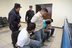 Acusados de matar a joven tras partido que perdió la Selecta ante Costa Rica esperan sentencia. Link:http://www.lapagina.com.sv/nacionales/86176/2013/08/29/Acusados-de-matar-a-joven-tras-partido-que-perdio-la-Selecta-ante-Costa-Rica-esperan-sentencia