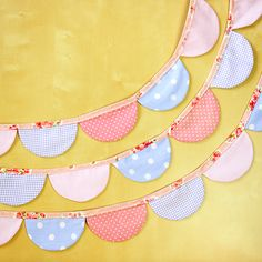 Scalloped party bunting.