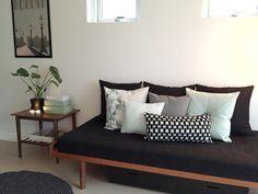 DIY - Make your own pillows by livingonabudget.dk
