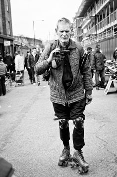 Passionate about documenting strangers, rollerskating, being by myself among the crowd. Anyone who seen this guy let him know I want to befriend him