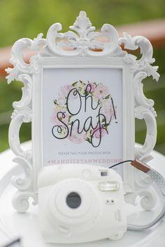 Cute instagram wedding sign #weddingsigns @weddingchicks