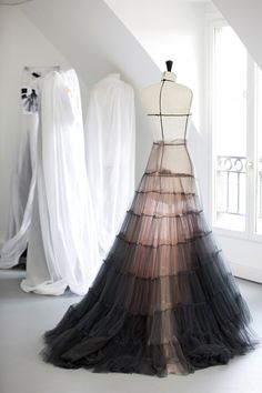 Haute Couture: A dégradé of tulle, fading from dark grey to pastel pink, is deftly and lightly handled by Dior petites mains, to make the ephemeral gown worn by on the Cannes Film Festival red carpet. Dior Haute Couture, Style Couture, Couture Fashion, Runway Fashion, High Fashion, Gothic Fashion, Paris Fashion, Fashion Fashion, Atelier Dior