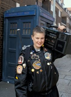 """Ace is awesome! Doctor Who (TV Show): Companion """"Ace McShane"""" (Bomber Jacket / Blouson Jacket / College Jacket) Ace Doctor Who, 13th Doctor, Good Doctor, Eleventh Doctor, Dr Who Merchandise, Sylvester Mccoy, Jon Pertwee, William Hartnell, Classic Doctor Who"""