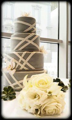 Friedman Court, cake, Lenora + Jim 2011.